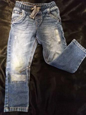 Spodnie F&F  110 cm