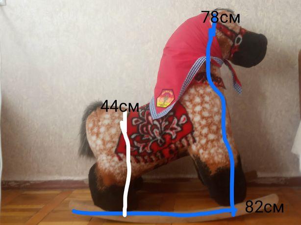 Продам коника-гойдалку. Кінь великий, до 7 років