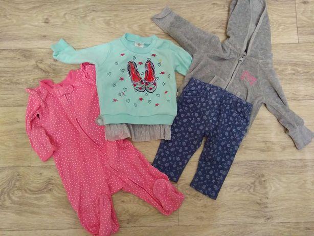 Набор одежды для девочки фирмы Carters 6-9 m
