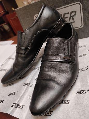 Туфли в отличном состоянии , есть  упаковочная коробка
