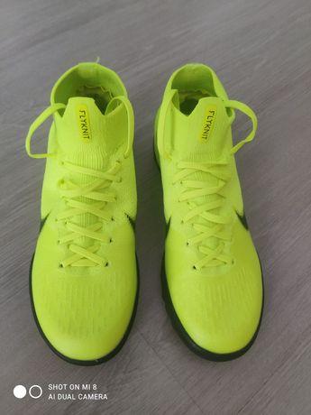 Новые сороконожки Nike Mercurial