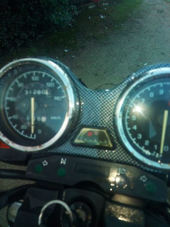 Moto 125 pode ser conduzida com carta de carro