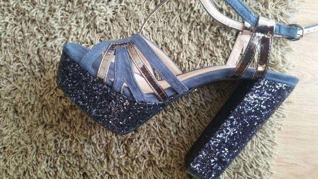 Sandálias azuis ,tacão gliter , tamanho 36