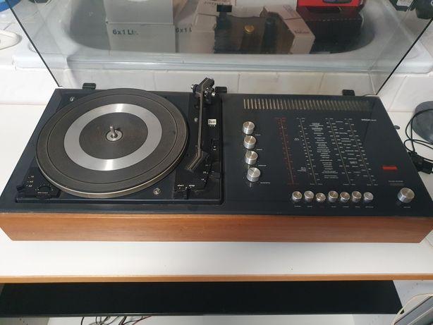 Gramofon  Radio Vega