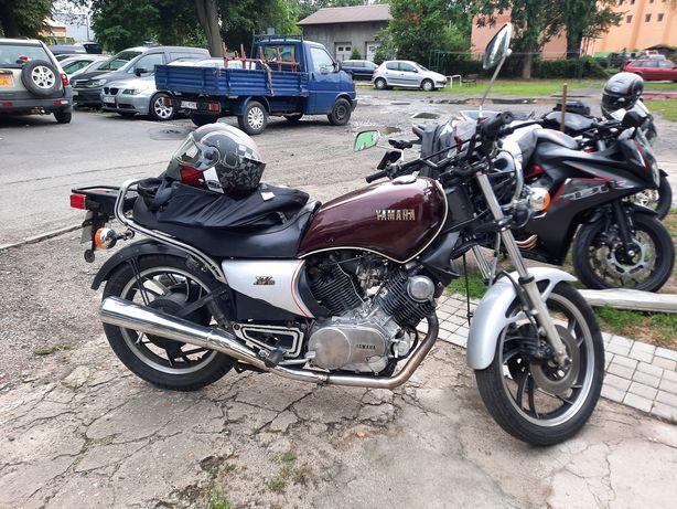Motocykl Yamaha TR1 XV1000