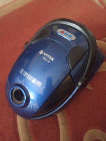 Продам Vitek пылесос с Аква фильтром VT 1834 1800вт.800гр.