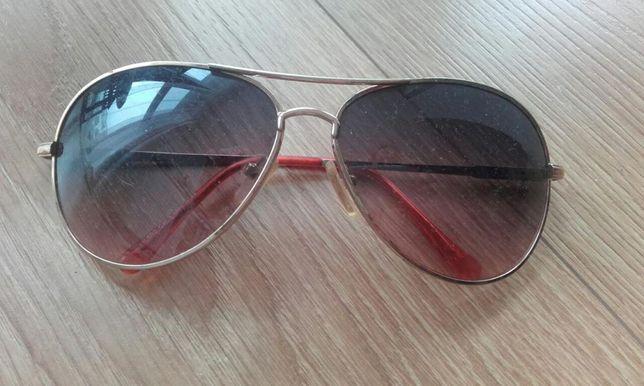 Okulary przeciwsłoneczne, stan bardzo dobry.