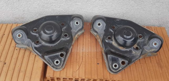 Metalowe mocowanie amortyzatora AUDI A4 B5/A6 C5/VW PASSAT B5