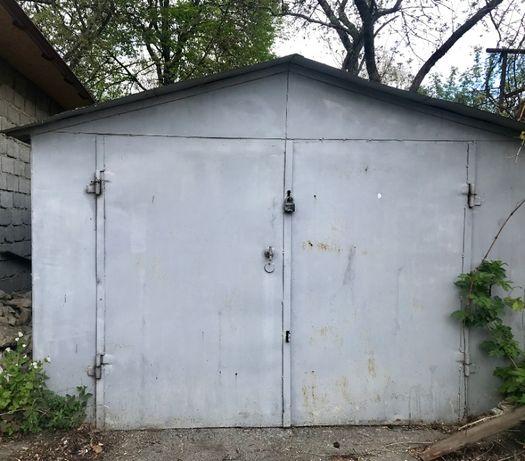 Приватизований металевий гараж в р-ні Черемушки