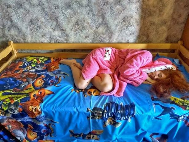 Пошив-ремонт постельного белья,простыни на резинке, штор, одежды.