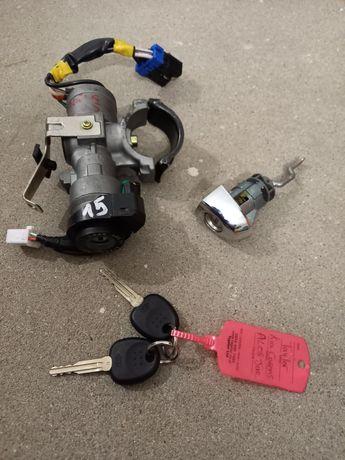 Stacyjka z wkładką do Kia Carens III 2008r. + dwa kluczyki