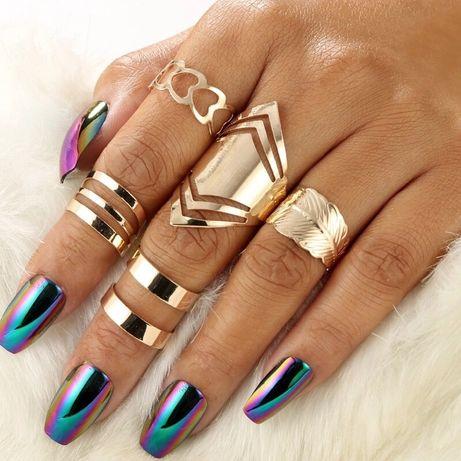 Zestaw 5 pierścionków w kolorze złotym komplet