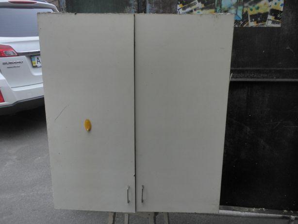 Большой подвесной шкаф