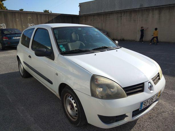 Renault Clio storia comercial Branco