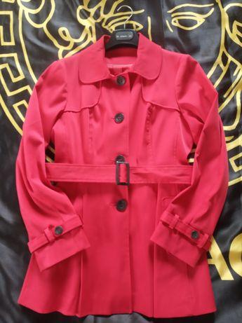 Płaszcz czerwony, r. 36