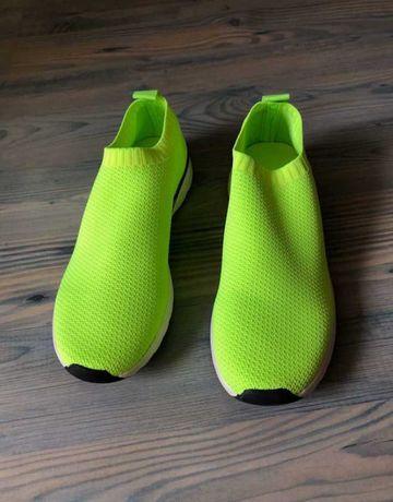 Новые кроссовки Zara
