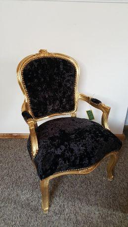 Fotel stylowy z opraciem podłokietnikami do salonu ludwik barok