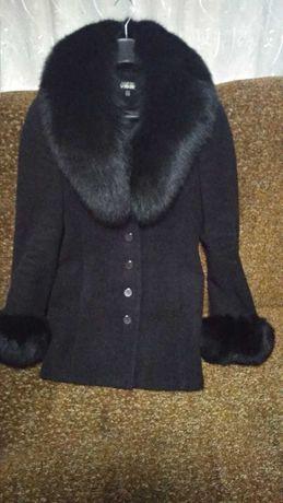 Пальто жіноче, 42 розмір