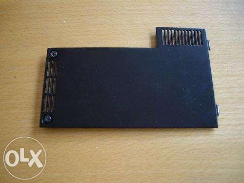 Dell™ Latitude E4300 a partir de tampa inferior