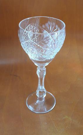 Kryształowe kieliszki do wina vintage