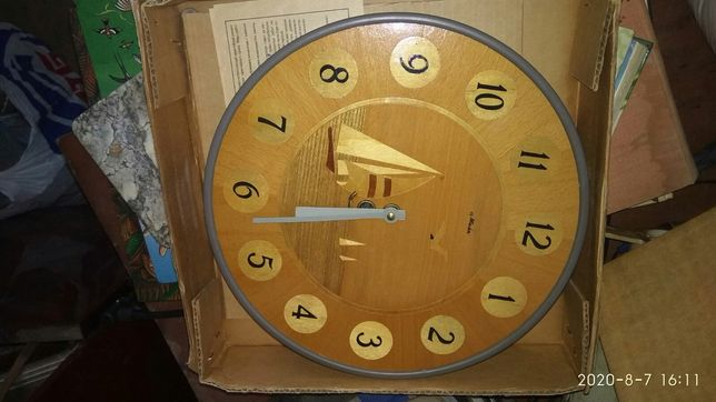 Продам часы Маяк рабочие 300