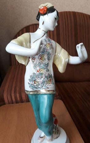 Статуэтка Танцующая китаянка
