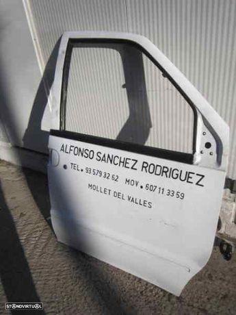 242731 Porta frente direita NISSAN VANETTE CARGO Van (HC 23) 2.3 D LD23