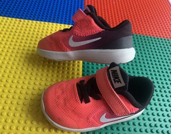 Buty sportowe Adidasy Nike Revolution 3 roz 21 wkładka 13 cm bdb