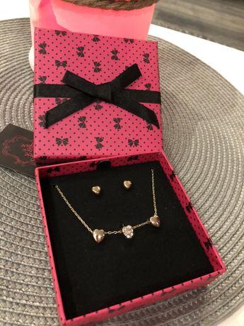 Zestaw biżuterii w kolorze złota kolczyki naszyjnik serduszka prezent