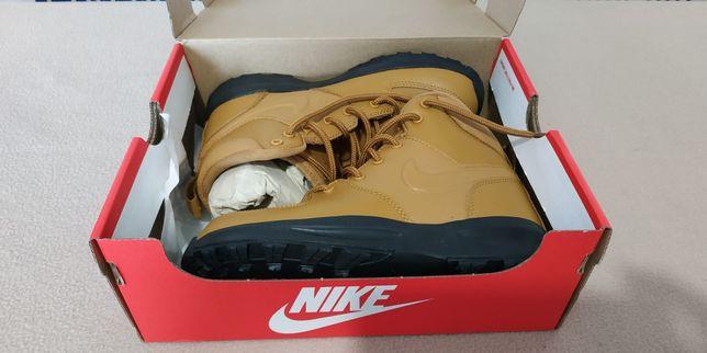 Tênis Botas Nike Manoa criança 34