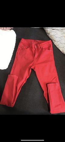 Spodnie elastyczne czerwone rozmiar 28