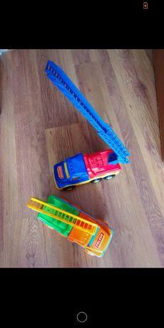 Kolorowy wóz strażacki Polesie
