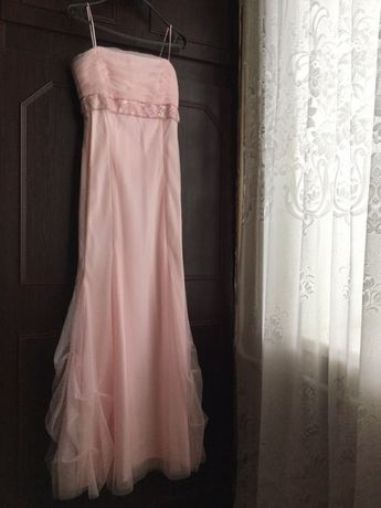 Продам выпускное платье . Размер S. Цена 800 грн. Возможен торг