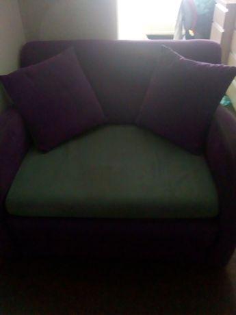 Fotel rozkładany pojedynczy.