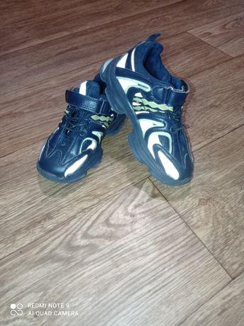 Кросівки(кроссовки)