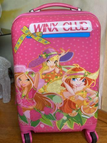 Продам детский чемодан «Winx» на колёсиках