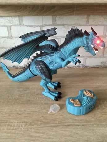 Интерактивный дракон на пульте
