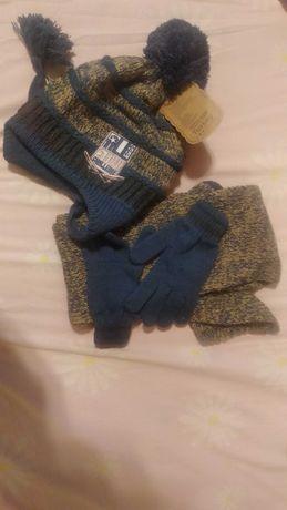 Комплект шапка, шалик і рукавички