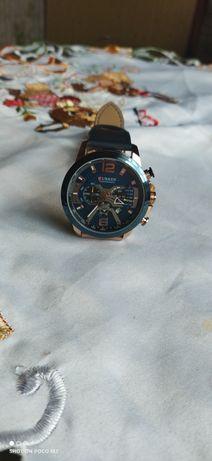 Stylowy zegarek jak nowy