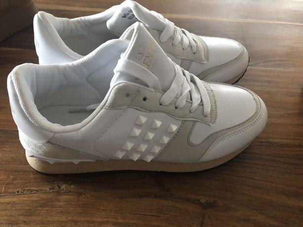 Buty elegancko/sportowe sneakersy