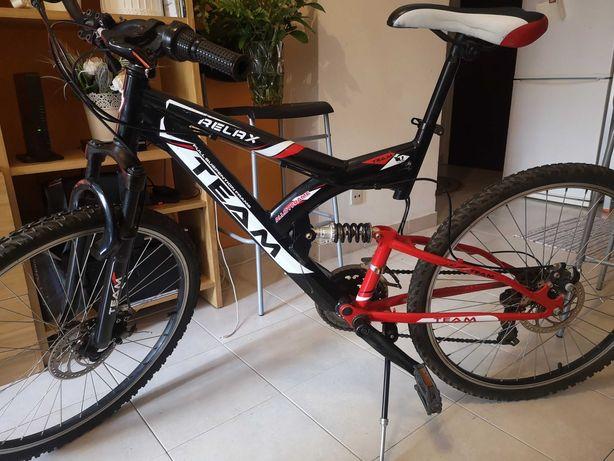 Vendo uma linda bicicleta em bom estado e bom preço..