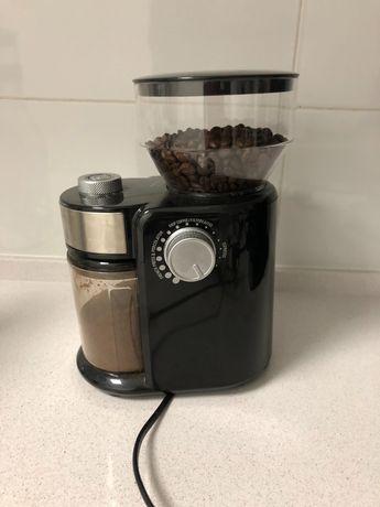 Moinho de Café CASO 01833 Barista Crema (Capacidade: 240 g - 150 W)