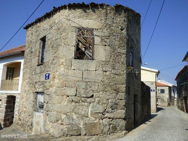 Moradia para Restaurar T0 Venda em Ervedal e Vila Franca da Beira,Oliv