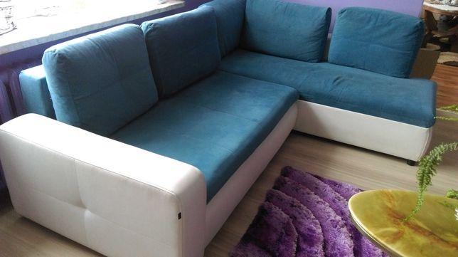 Rogowka-sofa niebiesko- biała