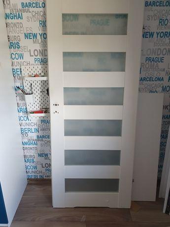 Drzwi wewnętrzne 80 prawe białe