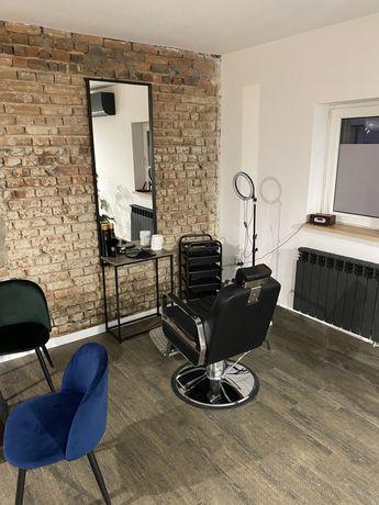 Wynajme stanowisko fryzjerskie dla barbera / barkerki