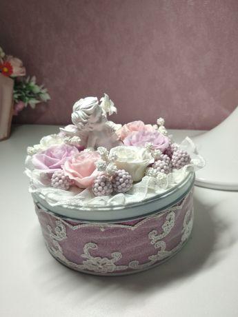 Шкатулка с цветами из холодного фарфора