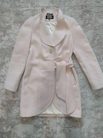 Пальто женское Manna шерстяное mango zara