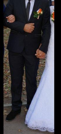 Костюм весільний