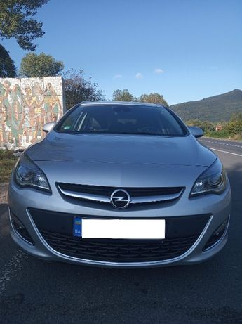 Opel Astra J Sports Tourer Дизель 2.0
